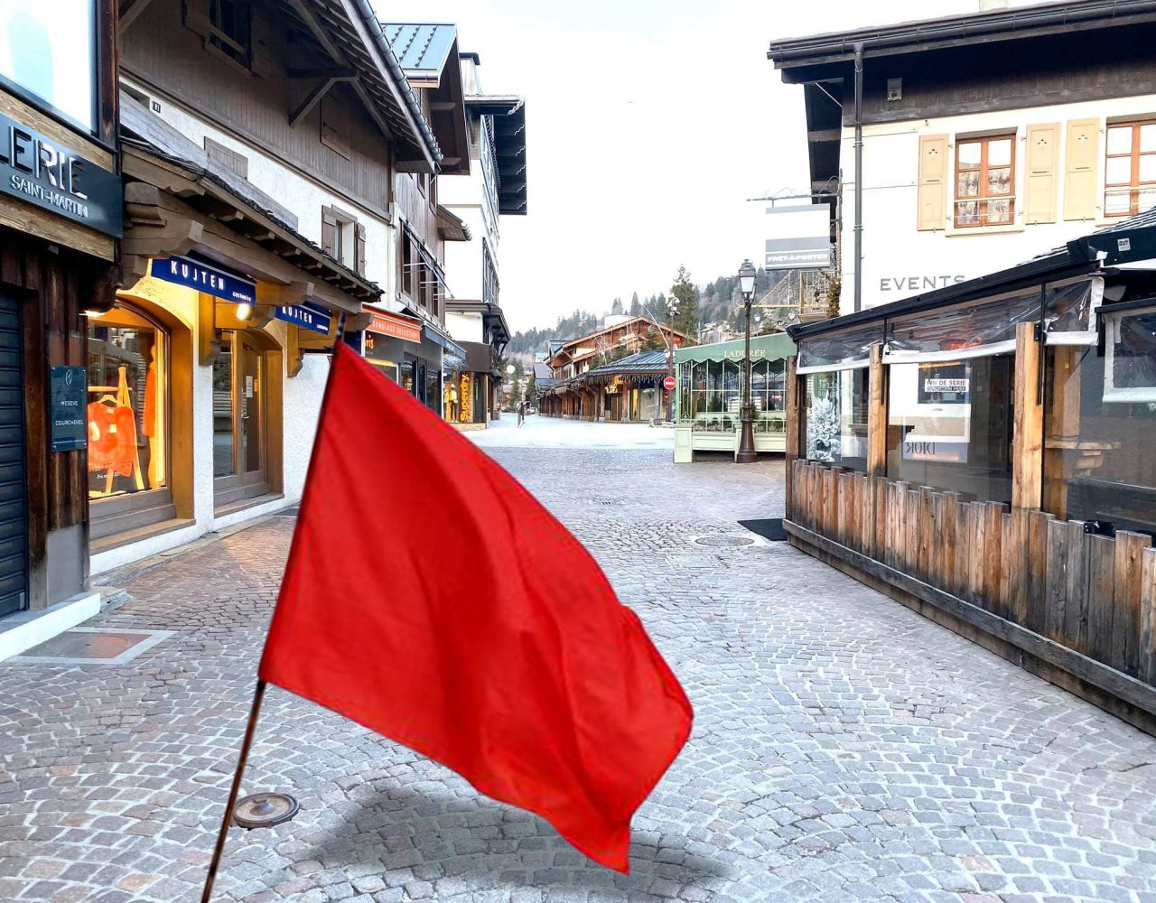 Megève coronavirus. Un drapeau rouge pour vous signaler