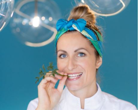 Gastronomie au lac d'Annecy. Auriane Longuet, nouvel atout charme du Black Bass